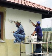 Wykończenie ściany tynkiem cienkowarstwowym