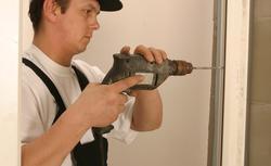 Zasady montażu okien. Jak mocować i uszczelniać oscieżnice?