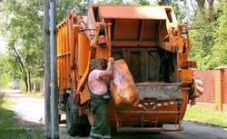 Ustawa śmieciowa a wspólnoty mieszkaniowe. Poznaj nowe zasady naliczania podatku śmieciowego
