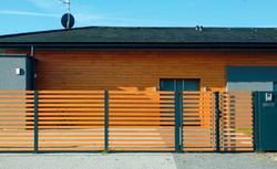 Ogrodzenie domu – 16 pomysłów na ciekawe ogrodzenie posesji [GALERIA]