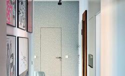 Drzwi wewnętrzne z ukrytymi ościeżnicami. Jak wygląda montaż drzwi tego rodzaju