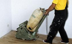 Pielęgnacja podłóg. Jak czyścić podłogę drewnianą?