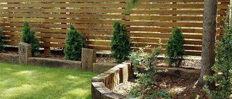 Czym zaimpregnować i pomalować drewniane ogrodzenie?
