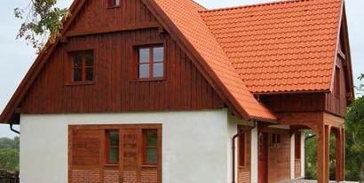 Pierwsze piętro w konstrukcji drewnianej na murowanych ścianach parteru