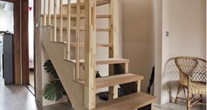 Jak się buduje schody drewniane?