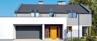 Modny szary dach. Dobór pokrycia dachowego, montaż okien połaciowych. PORADNIK